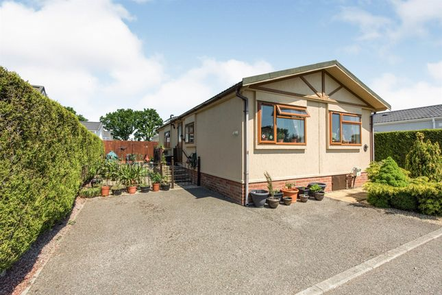 2 bed mobile/park home for sale in Eye Road, Brome, Eye IP23