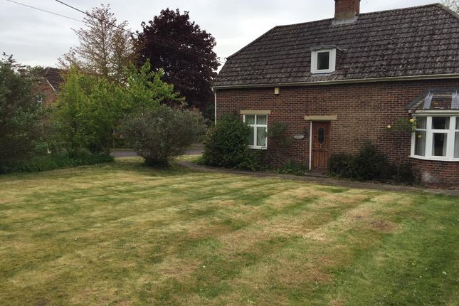 Thumbnail Detached house to rent in Main Road, Winterbourne Dauntsey, Salisbury