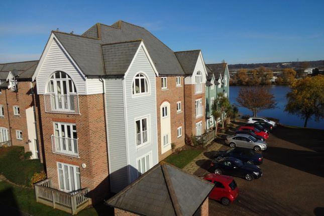 2 bed flat for sale in The Lakes, Larkfield, Aylesford
