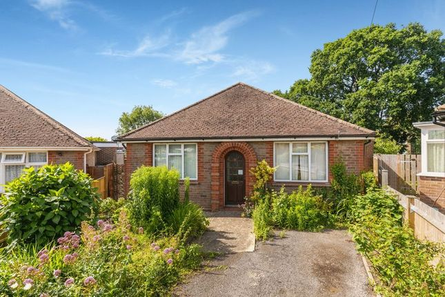 3 bed bungalow for sale in Highlands Crescent, Horsham, West Sussex