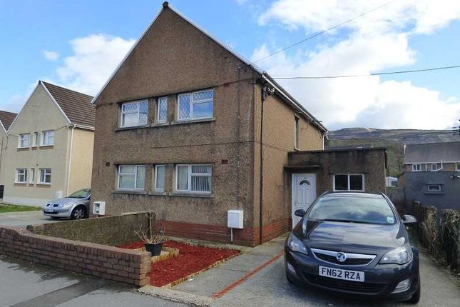 Thumbnail Flat for sale in Ynys Cadwyn, Glynneath, Neath.