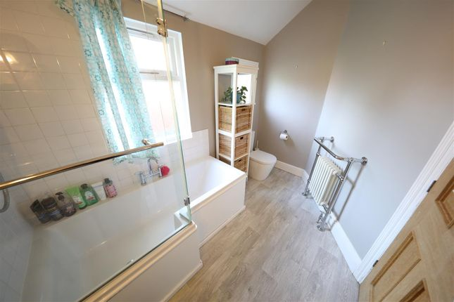 Bathroom of Marlborough Avenue, Princes Avenue, Hull HU5