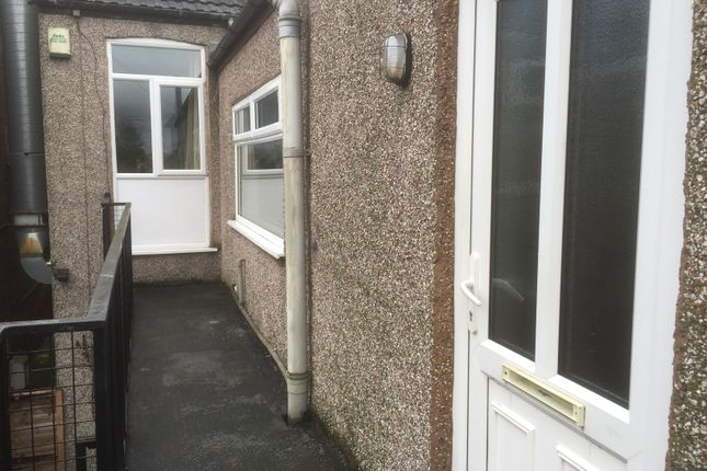 Thumbnail Flat to rent in Ashby High Street, Scunthorpe