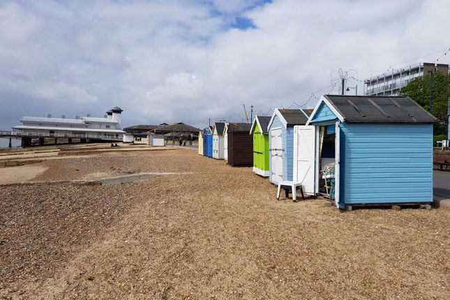 Beach Chalet 15, Adjacent Undercliff Rd West, Felixstowe IP11