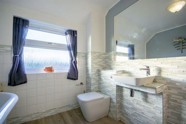 Bathroom of Barrons Court, Elvaston, Thulston DE72