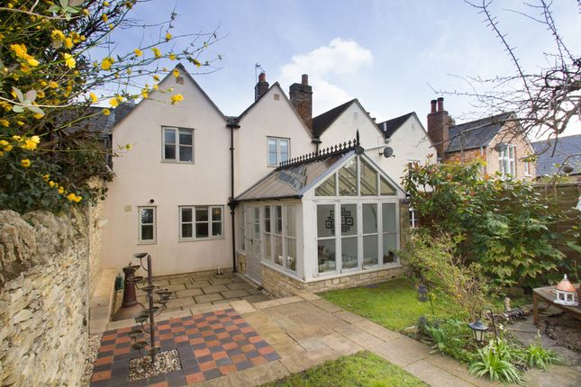 Thumbnail Cottage to rent in Newland, Witney