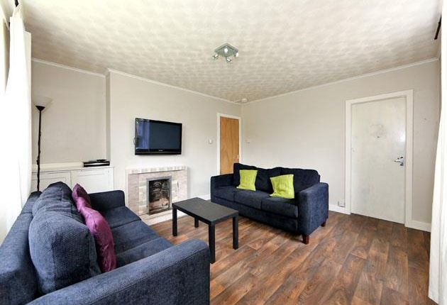Thumbnail Flat to rent in Powis Crescent, Aberdeen