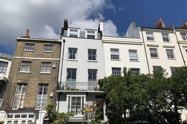 2 bed flat to rent in Montpelier Road, Brighton BN1
