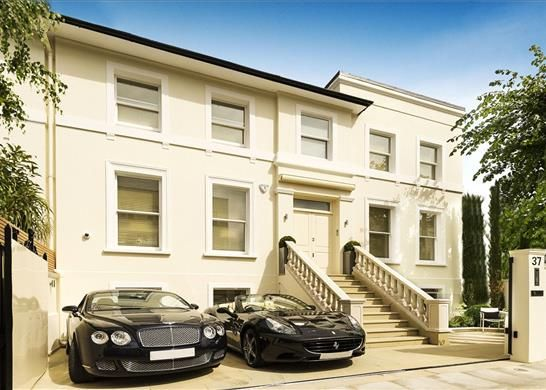 Thumbnail Terraced house for sale in Victoria Road, Kensington, London