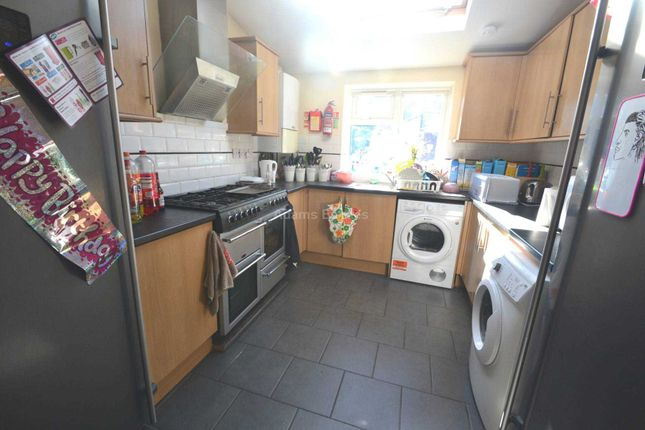 Thumbnail Terraced house to rent in Grange Avenue, Earley, Reading