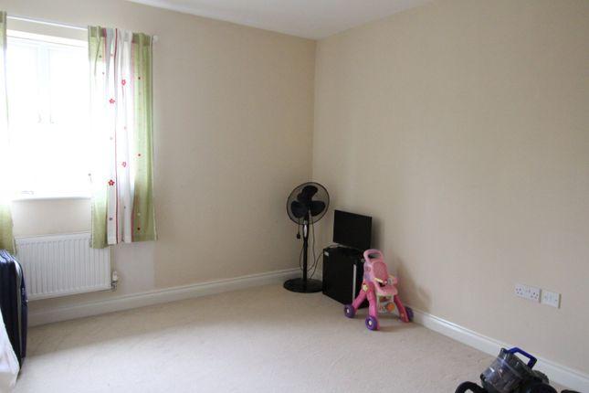 Bedroom of Shearer Close, Havant, Hampshire PO9
