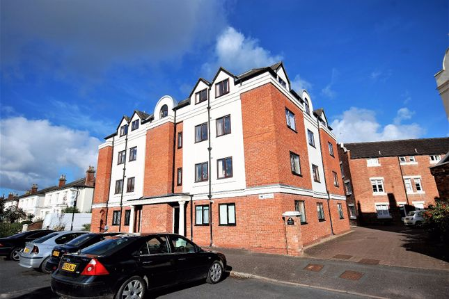 Thumbnail Flat to rent in Squirhill Place, Russell Terrace, Leamington Spa