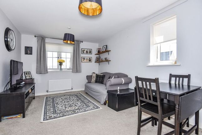 Thumbnail Flat for sale in Fontwell Road, Kingsmere, Bicester