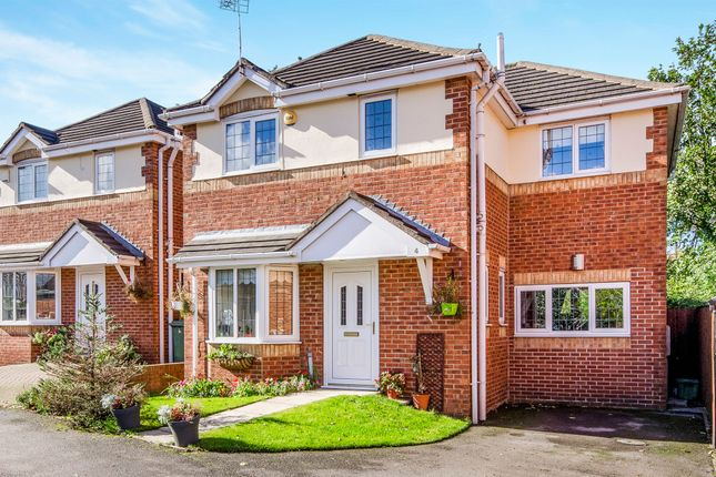 Thumbnail Detached house for sale in Bramble Court, Outwood, Wakefield