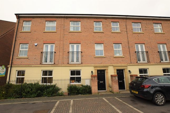 Thumbnail Town house for sale in Scotsman Drive, Scawthorpe, Doncaster