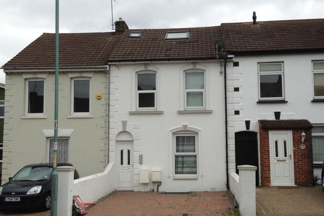 Thumbnail Flat to rent in Nelson Road, Gillingham