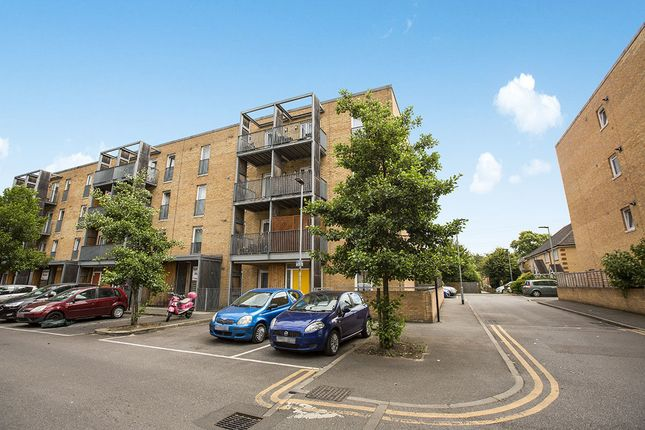 Thumbnail Flat for sale in Walton Road, London