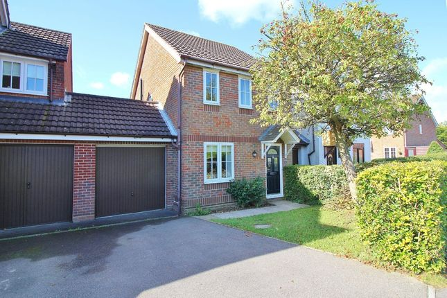 Thumbnail Link-detached house for sale in Leatherhead Gardens, Hedge End, Southampton