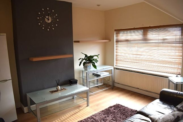 Thumbnail Flat to rent in Clewer Crescent, Harrow Weald