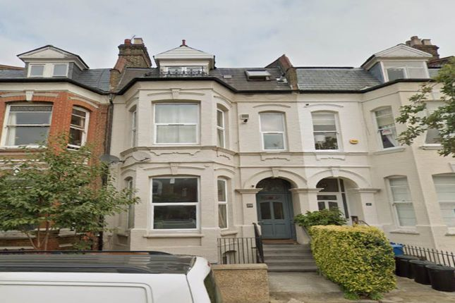 Thumbnail Flat to rent in Clissold Crescent, Stoke Newington, London