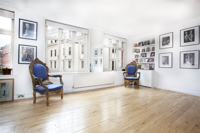 Thumbnail Property for sale in Bedfordbury, London