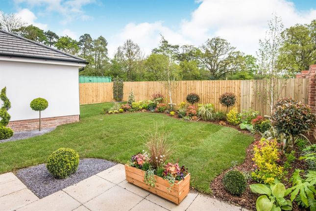 3 bedroom detached house for sale in Lucombe Park, Uffculme, Cullompton