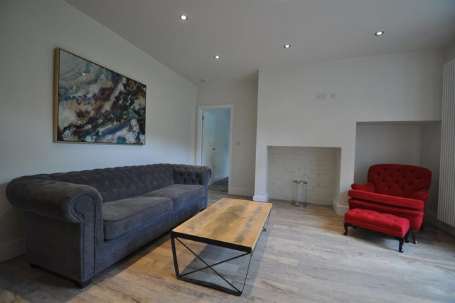 Thumbnail Flat to rent in School House Flat, Brearley Chapel, Luddenden Foot