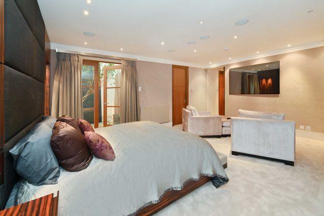 Thumbnail Flat to rent in Chesham Street, Belgravia