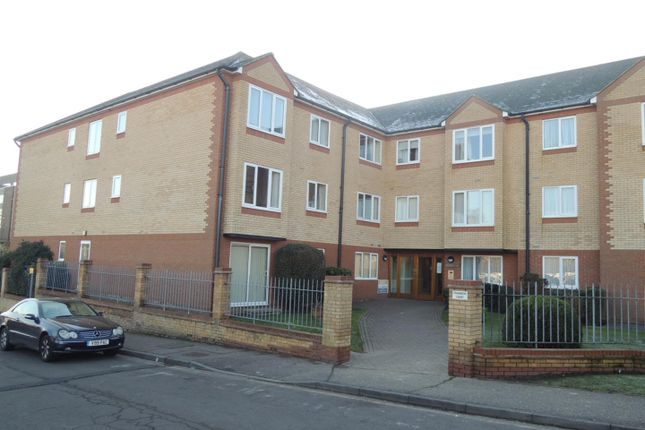 Thumbnail Flat for sale in Cranmere Court, Exeter Drive, Colchester
