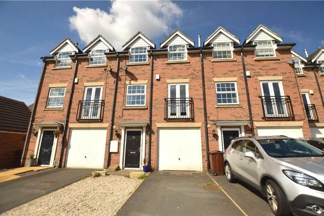 Thumbnail Town house to rent in Linden Court, Rothwell, Leeds