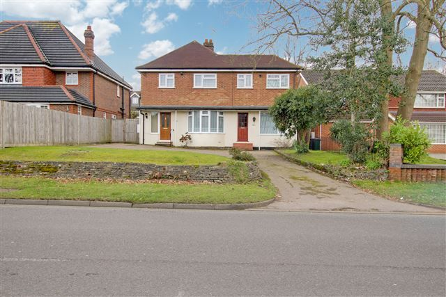 Thumbnail Detached house for sale in Three Bridges Road, Crawley