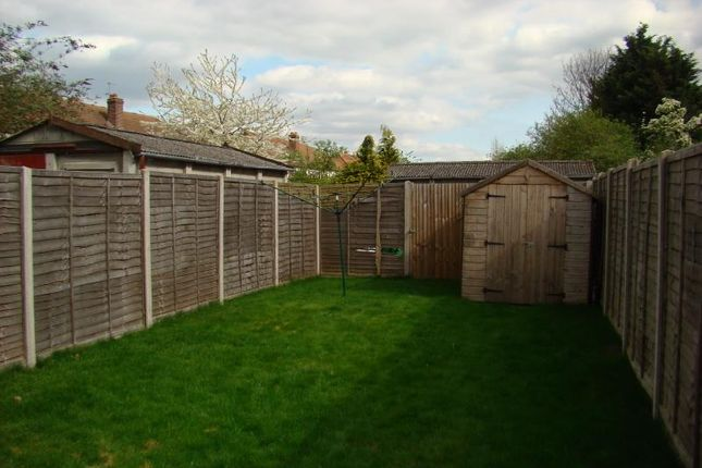 Detached house to rent in Lees Road, Hillingdon, Middlesex