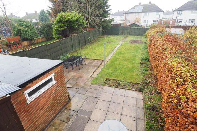 Sizeable Rear Garden & Outbuilding 631