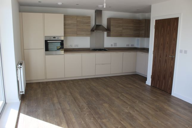 Thumbnail Flat to rent in Handley Page Road, Barking