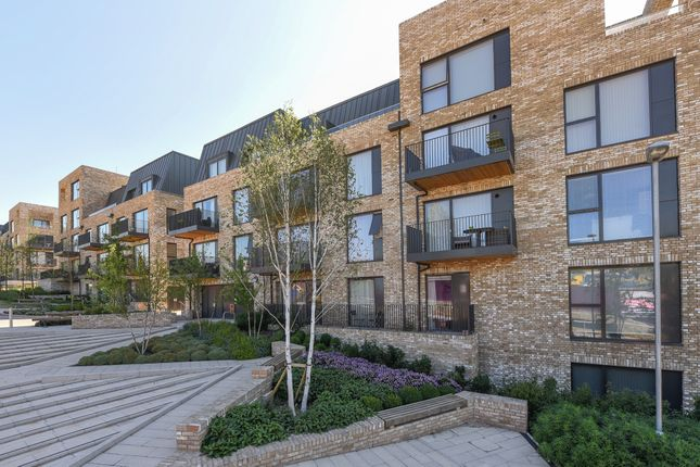 Thumbnail Flat for sale in Regiment Hill, London