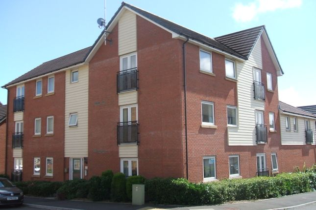 Thumbnail Flat to rent in Longacres, Bridgend