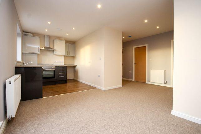 Thumbnail Flat to rent in Darwen Rd, Bromley Cross, Bolton, Lancs, .