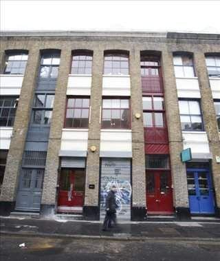Office to let in Leonard Street, London
