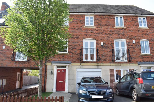 3 bedroom town house for sale in Westminster Drive, Church Gresley, Swadlincote