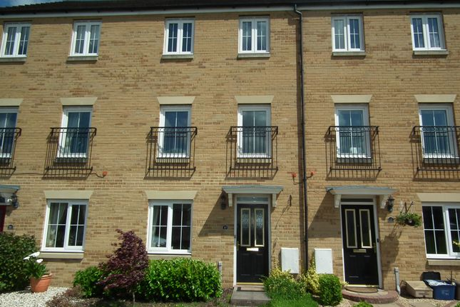 Thumbnail Town house to rent in Lobelia Close, Rogerstone