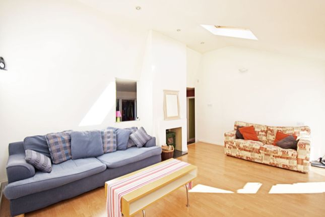 Sitting Room of Mapledrakes Close, Ewhurst GU6