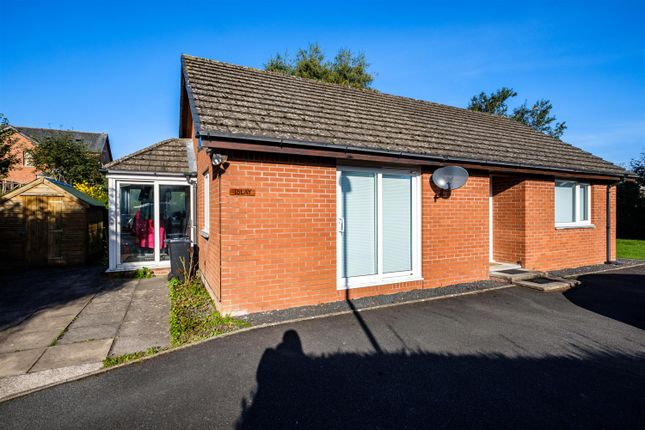 Thumbnail Detached bungalow for sale in Oxford Road, Llandrindod Wells