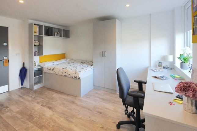 Studio to rent in Andover Road, Winchester SO23