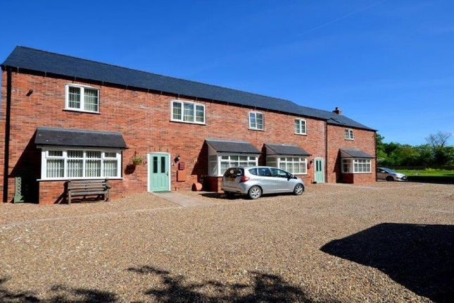 2 bed flat to rent in The Stables Mews, Holton Road, Tetney DN36