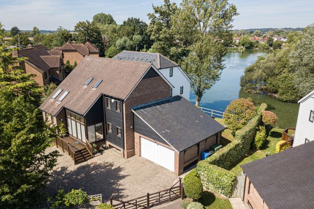 Thumbnail Detached house for sale in Ray Mill Road East, Maidenhead