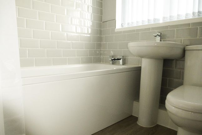 Bathroom of Fleming Way, Flanderwell, Rotherham S66