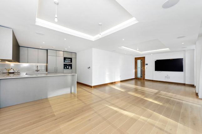 Thumbnail Flat for sale in Quarter House, Battersea Reach, Wandsworth, London