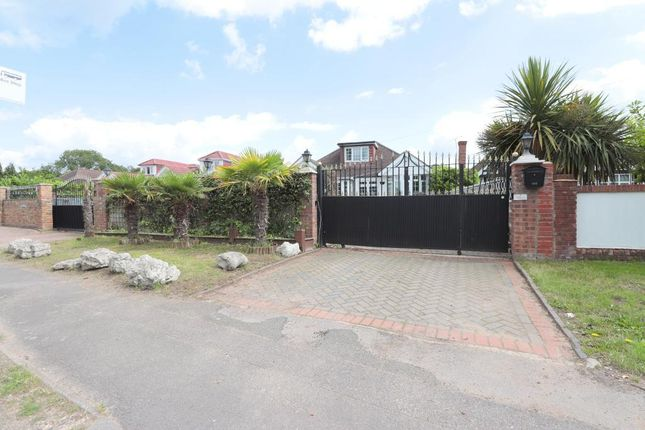 Thumbnail Detached house to rent in Langley Park Road, Iver