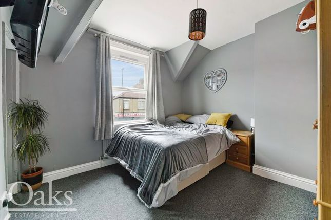 Bedroom of Woodside Green, Woodside, Croydon SE25