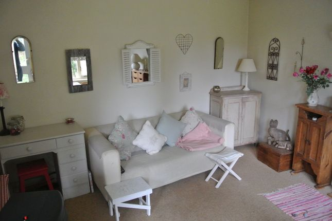 Thumbnail Flat to rent in Windmill Lane, East Grinstead
